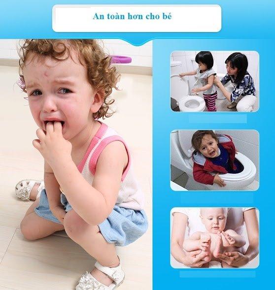 Cách giúp bé đi vệ sinh an toàn thoải mái