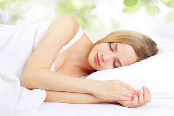 Mẹ cần tranh thủ bé ngủ là mẹ ngủ để sữa nhanh về
