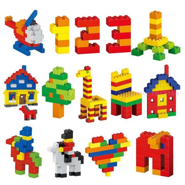 Bé có thể xếp rất nhiều hình từ đồ chơi Lego