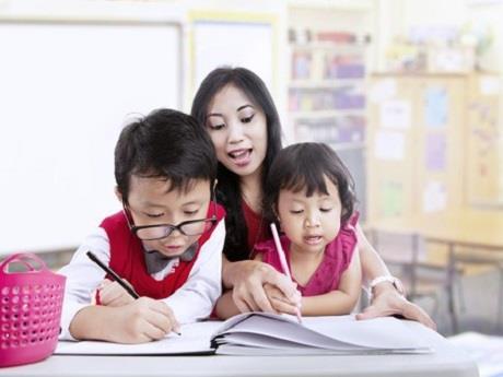 Giúp con học tốt Trẻ muốn học cùng ai