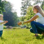Xe tập đi cho bé: Xe tròn hay xe đẩy bằng gỗ – Đánh giá cực chi tiết