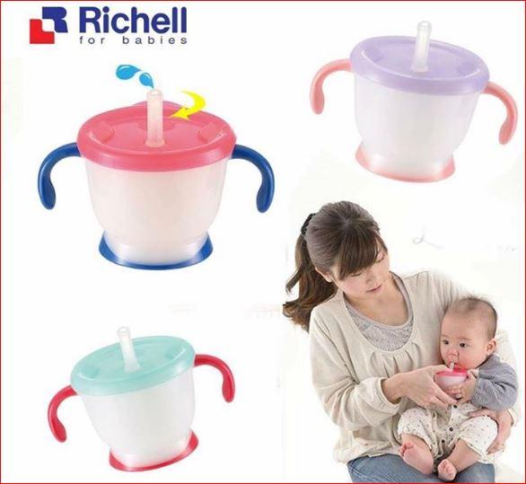 Cốc tập uống Richell 3 giai đoạn hiện là cốc tập uống được nhiều mẹ dùng nhất