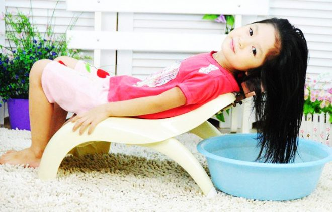 Ghế gội đầu cho bé không có tay vịn Việt Nhật