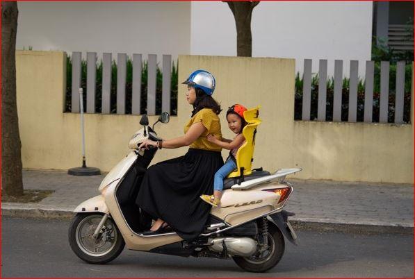 Ghế ngồi xe máy beesmart X2 chở bé phía sau