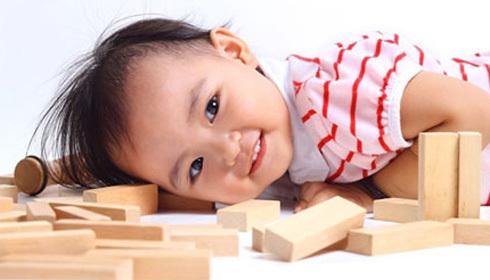 Chăm sóc bé từ những năm đầu đời tạo nền tảng cho sự phát triển về sau