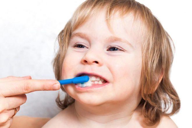 Chăm sóc răng miệng cho trẻ là việc làm rất cần thiết