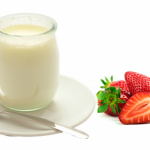 Nên cho trẻ ăn dặm sữa chua như thế nào?