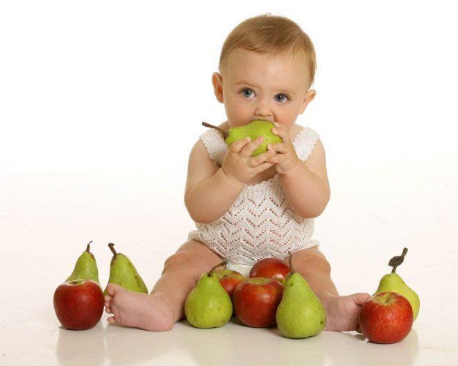 Bí quyết cho bé ăn dặm ngày đầu tiên – Mẹ bầu em bé