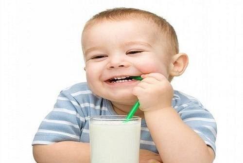Cách chọn sữa cho trẻ 6 tháng tuổi