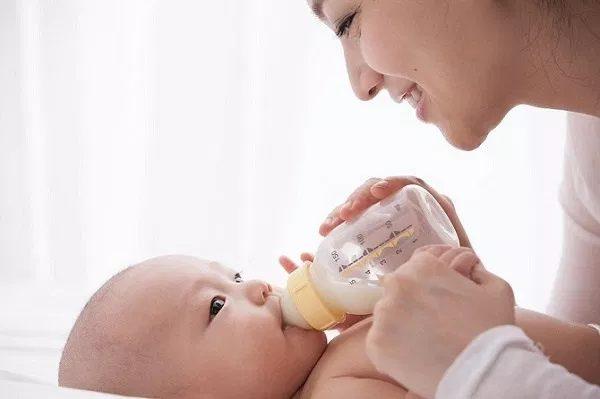 Vai trò của sữa bột cho trẻ 6 tháng tuổi