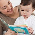 Tuyệt chiêu giúp bé thông mình hơn nhờ nghe mẹ đọc sách