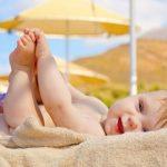 Cách tắm nắng chuẩn cho trẻ sơ sinh, cách nào đúng và an toàn