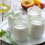 """3 Cách làm sữa chua từ sữa công thức cho bé """"nhâm nhi"""" ngày hè nóng"""