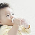 Trẻ sơ sinh nằm điều hòa được không? Cẩn thận với nguy cơ đột tử !