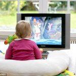 Tác hại của việc cho trẻ xem tivi nhiều