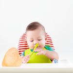 Mách mẹ cách cho bé ăn dặm từ 6 tháng tuổi chuẩn khoa học