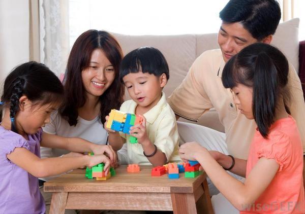 Cha mẹ cần giúp con phát triển tư duy