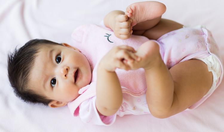 dấu hiệu kiểm tra trẻ sơ sinh khỏe mạnh 3