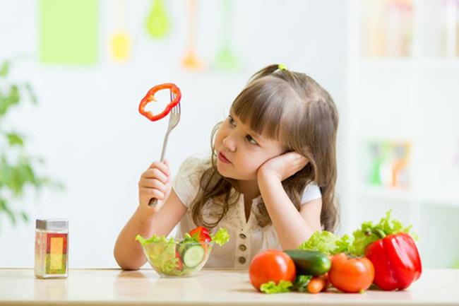 Làm thế nào để bé thích ăn rau