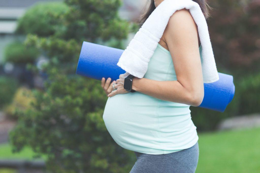 pregnantyoga 58c96fa13df78c353cc8f38e