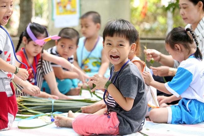 cho trẻ đi học là giúp trẻ nhanh phát triển