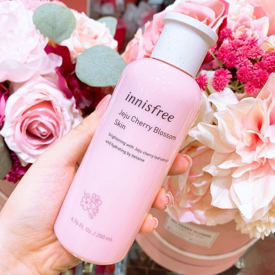 Nước hoa hồng Innisfree cherry blossom skin2