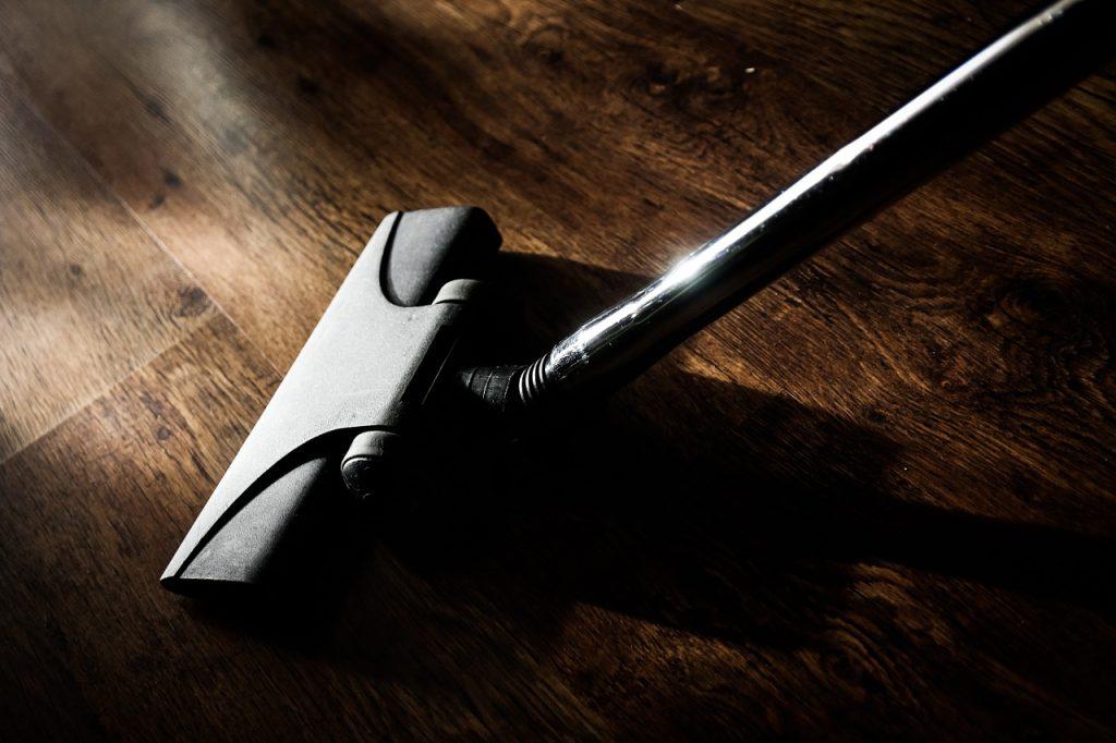 vacuum cleaner 268161 1280